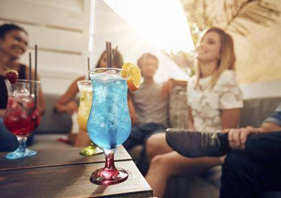 Pour vos soirées entreprise, créez et dégustez des cocktails avec vos convives. http://www.sud-ouest-passion.fr/forfaits/animation-cocktail-entreprise/#.V2f4zLuLTIU