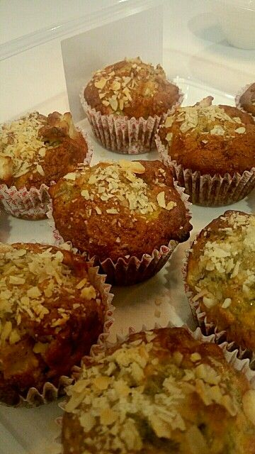 Banana Pear Muffins ~ omitted the walnuts but put flaked almonds on top of the muffins instead! Baked for 20minutes and the muffinds turned golden brown on the top (probably can do couple of minutes lesser in the oven). The recipe produced 10 medium size muffins