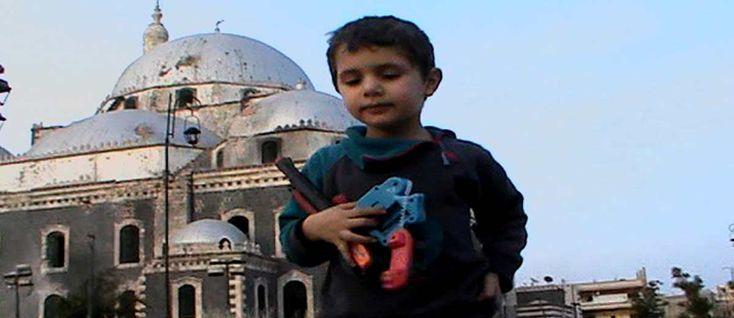 Eau argentée, Syrie autoportrait de Ossama Mohammed