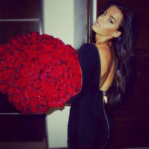 Magnifikeeee robeee et magnifikee fleur ❤️ użytkownika Girl's Whims   We Heart It