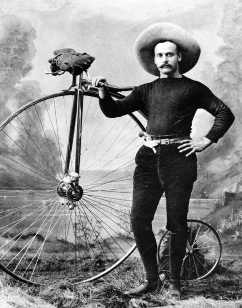 """Old Pics Archive on Twitter: """"1886, S. C. Spier and his lofty bicycle which he pedaled from New York to San Francisco in 84 days. https://t.co/poFFINcGi4 https://t.co/Os7ELDtZVf"""""""