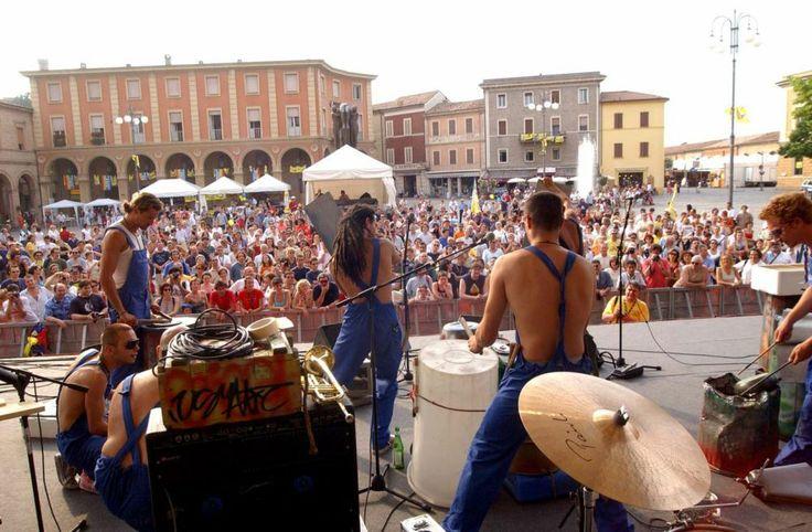 Caterpillar a Santarcangelo di Romagna. Un concerto
