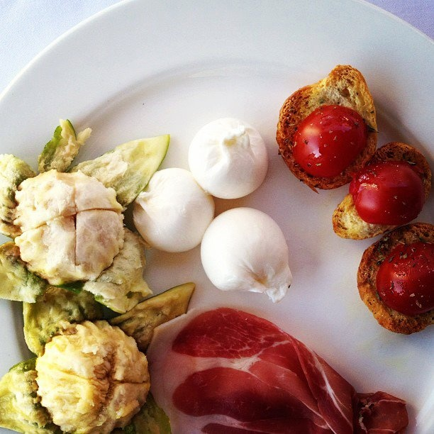 Revolutionary Food mixing up Apulian Ingredients.