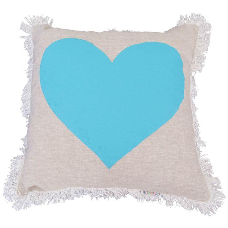 DeerMeetsWolf-Websized-021_front_blue heart_grey