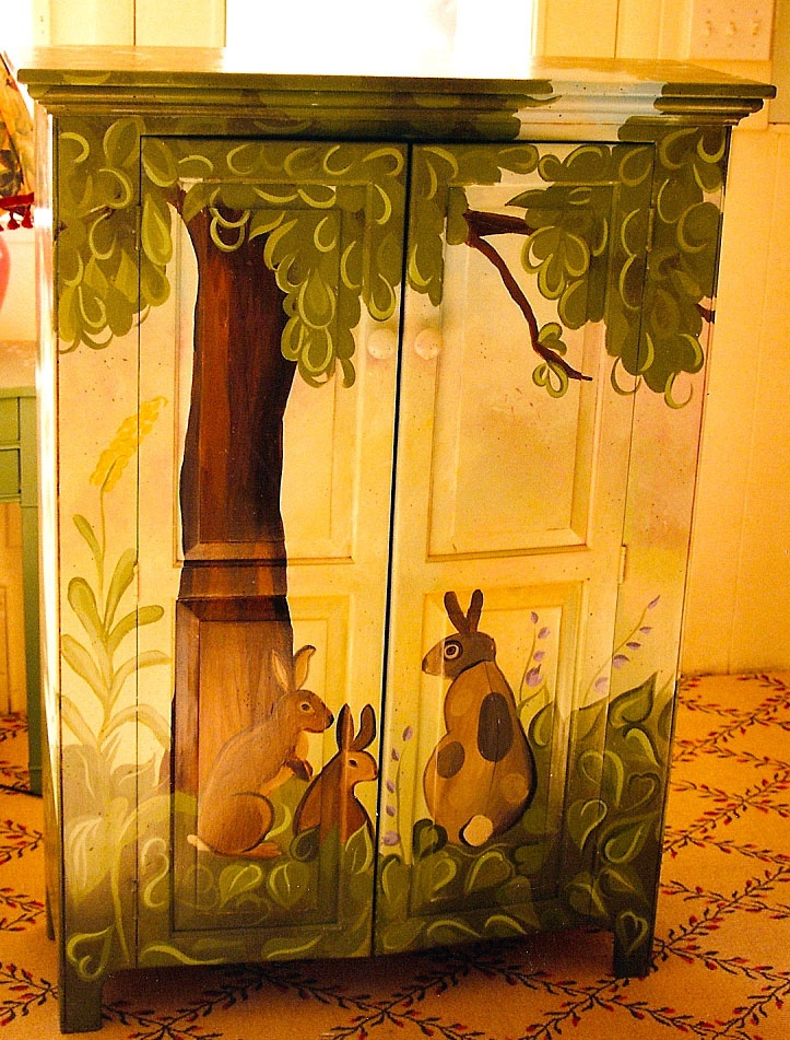 Best 25+ Hand Painted Furniture Ideas On Pinterest | Whimsical Painted  Furniture, Hand Painted Dressers And Floral Painted Furniture