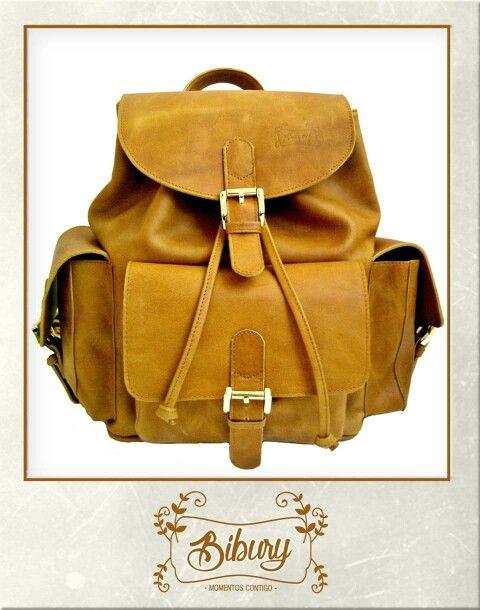 Backpack clásico, color miel. Elaborados 100% en cuero.