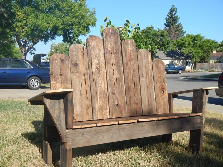 Great Use Of Old Fence Boards Rustic Wood Projects Old Fence Boards Outdoor Chairs Fence