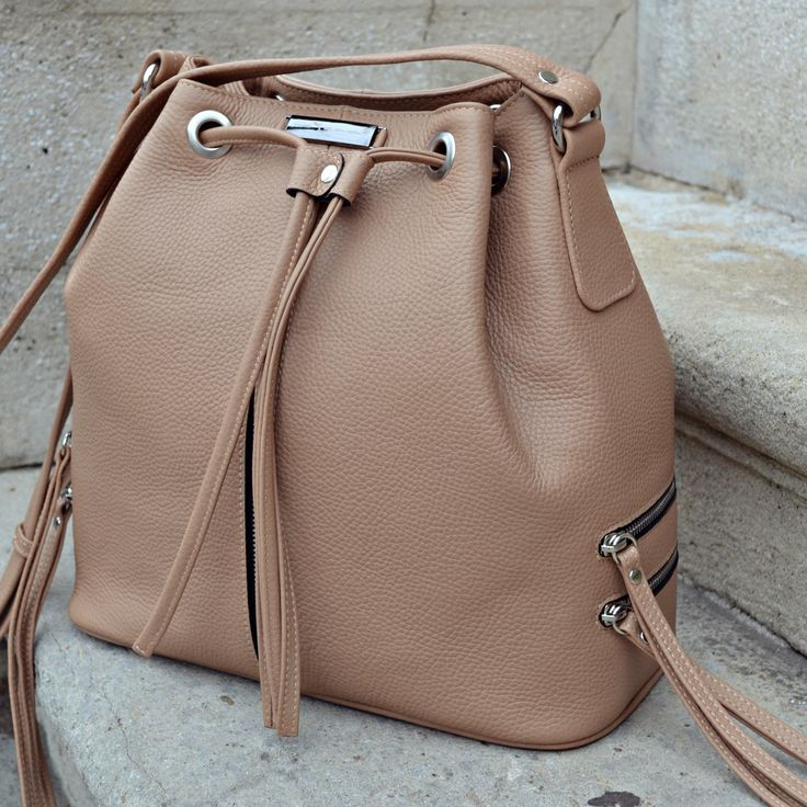 #the5thelementbags #rosettishowroom #leather #nude #bags #cappuccino #zippers