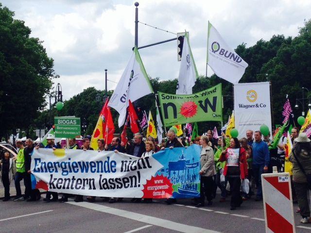 Demo in Berlin gegen Energiepolitik der Bundesregierung  #10. Mai 2014 #Angela Merkel #Atomausstieg #Berlin #CDU #Demo #Demonstration #EEG #Erneuerbare Energien #Erneuerbare Energien Gesetz #Highlight #Kohleenergie #Politik #Regierungsviertel #Samstag #Seeed #Windenergie