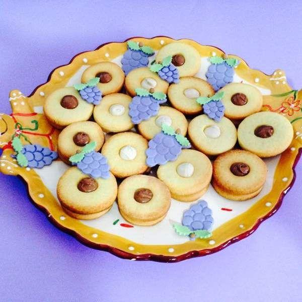 Ricetta Biscotti autunnali farciti ad occhio di bue pubblicata da giulia4smile - Questa ricetta è nella categoria Prodotti da forno dolci