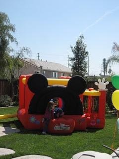 Mickymaus Geburtstag, Micky Maus Wunderhaus, Mickey Party, 4. Geburtstag,  Geburtstagsfeierideen, Geburtstagsfeiern, Minnie Mouse, Mickey Haus,  Schlaghäuser
