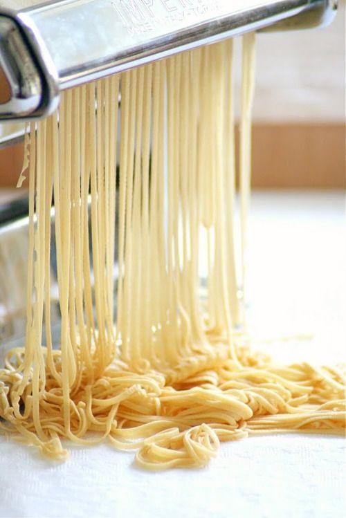 l-uminux:  happeninqs:  s-e-q-u-i-n:  pasta is the love of my life  omg  x