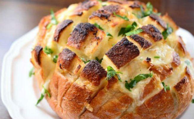 Γεμιστό ΨΩΜΙ με τυρί και μανιτάρια, έτοιμο σε λίγα λεπτά!