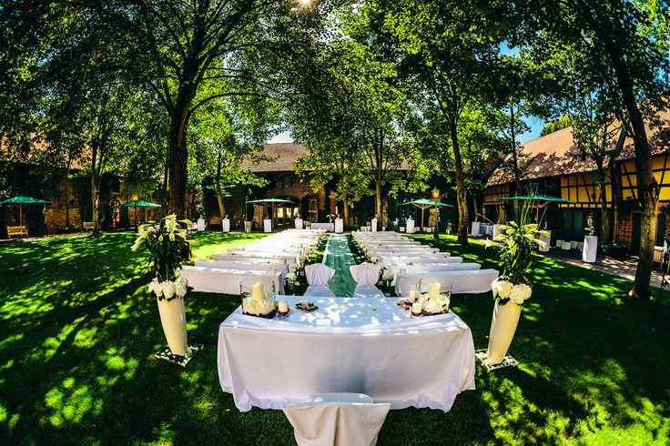 outdoor wedding @Hofgut von Hünersdorff