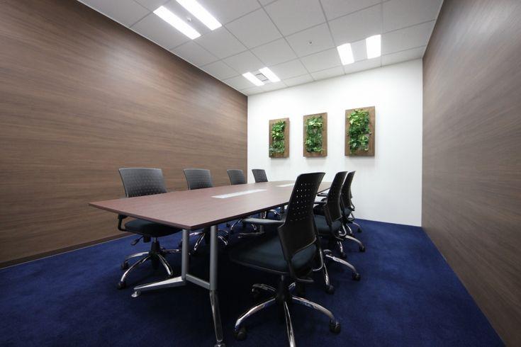 オフィスデザイン実績~異素材の融合で織りなすエントランスが、新たなライフステージへいざなう