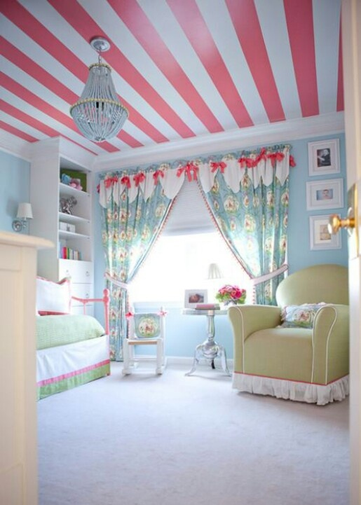 Love the colors and especially love the striped ceiling. Wonder if I can convince my love to do this.