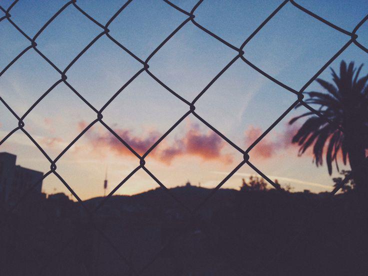 Detrás sigue el sol