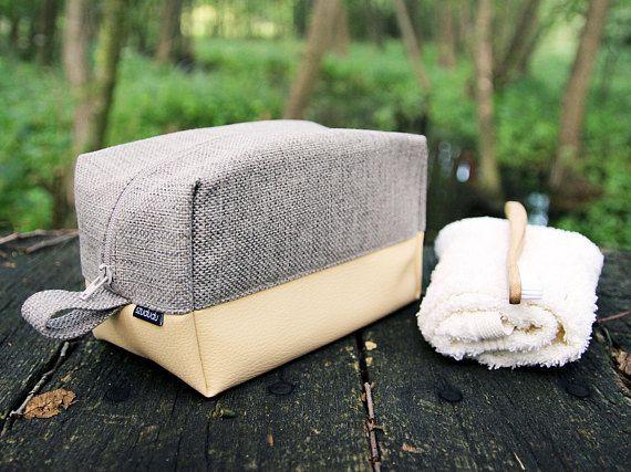 Large toiletry bag vanilla, big cosmetic bag cream, beige personalized dopp kit vegan leather vegan travel bag