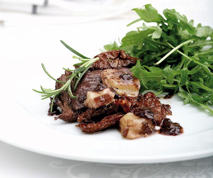 Μια εύκολη και γρήγορη συνταγή για χοιρινό που θα απολαύσετε ως κυρίως πιάτο μαζί με μια πράσινη σαλάτα, αλλά και ως μεζέ για να συνοδεύσετε το κρασί.