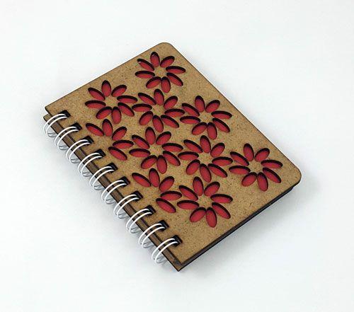 Ahşap Çiçek Kesim Küçük Defter #ahşap #çiçek #kesim #defter #ahşapmağazası #ahşaptasarım #hediyelik #madeinturkey #tasarım #ahşapkapak