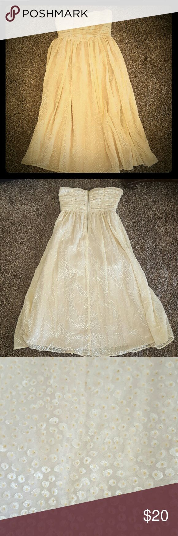 H&M Cream Formal Dress as shown willing to hear offers H&M Dresses Strapless
