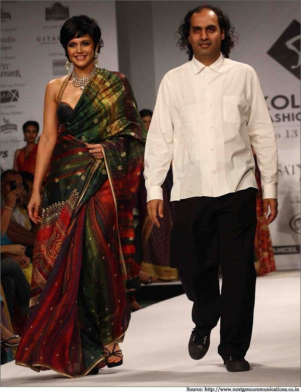 India's Top Fashion Designers and their favorite Show Stoppers!
