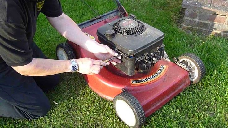 How to Change a Murray Lawn Mower Filter in under a miniute
