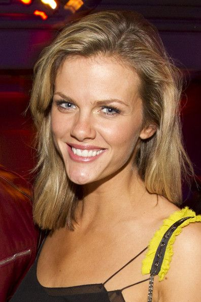Brooklyn Decker Medium Layered Cut