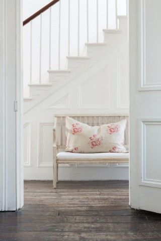 Modern Country Style: More Cabbages and Roses Hatley Loving!! Click through for details.