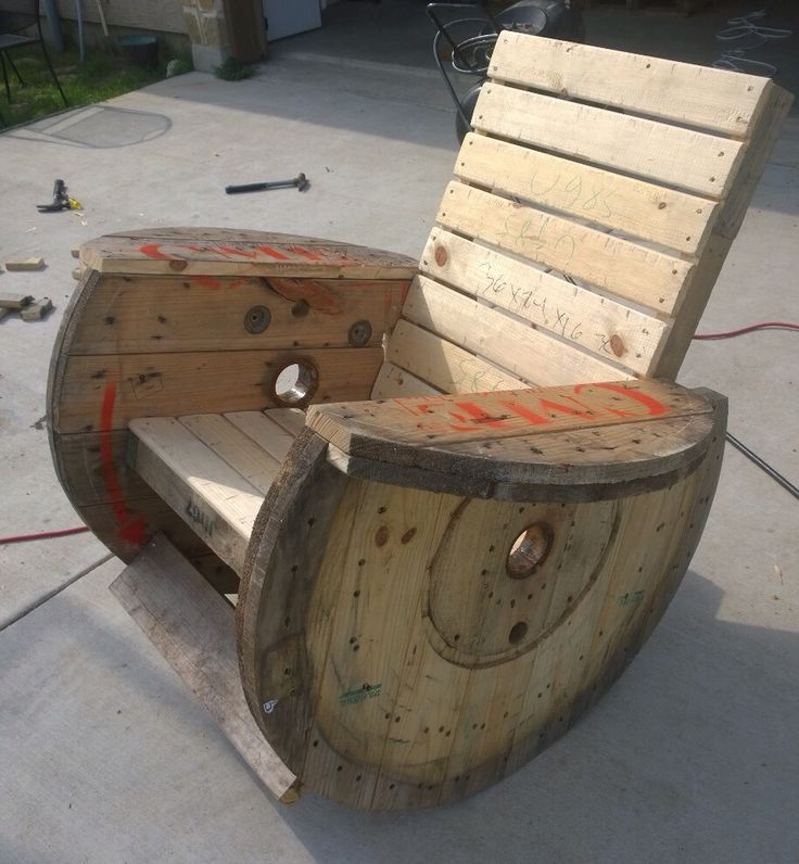 Rocking chair I made from cable reels.. Wooden spool idea. Very comfortable! Repurposed