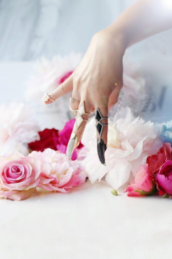 Driehoek Ring met bijgevoegde pijl-Talon Ring door PrettyRockGirl
