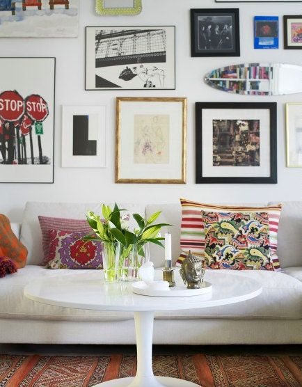 Eclectic decor and wall of framed art.: Wall Art, Frames, Living Rooms Idea, Galleries Wall, Photo Wall, Art Collage, Wall Display, White Wall, Art Wall