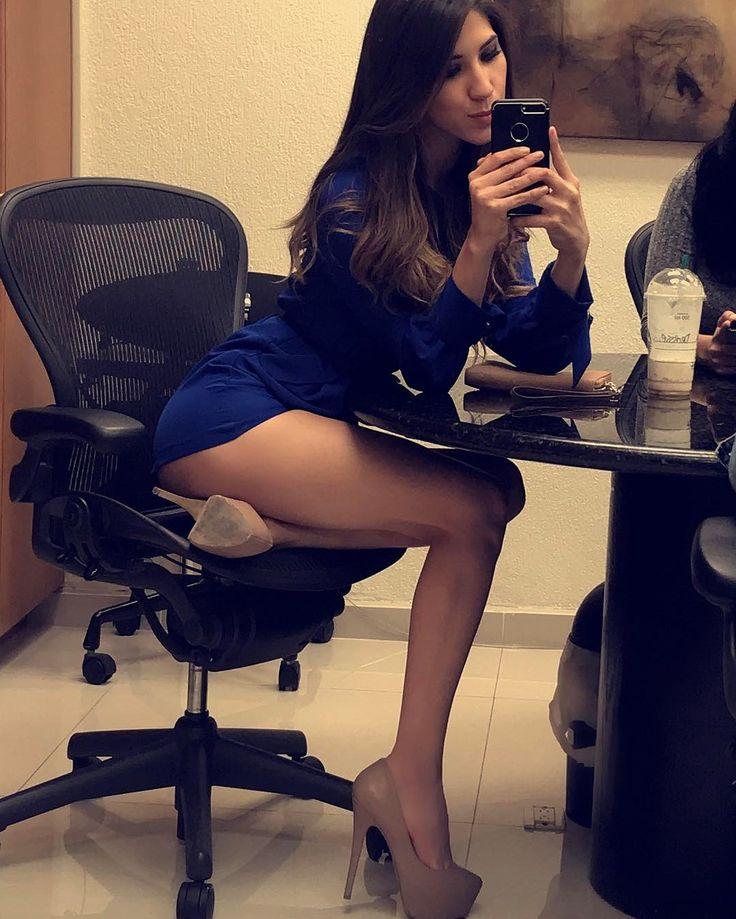 Amy acker butt