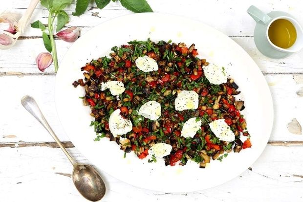 salad with aubergines, peppers and goats cheese. Recipe by Rachel de ...