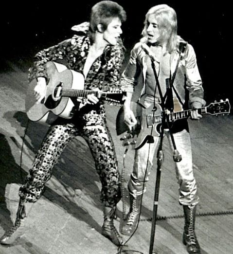 David Bowie Mick Ronson Onstage 001