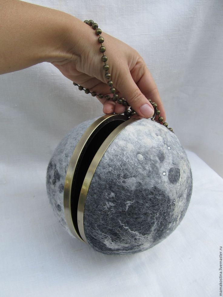 """Купить Арт-объект , сумочка """"Верная спутница"""" - серебряный, абстрактный, луна, сумка, валяная сумка"""