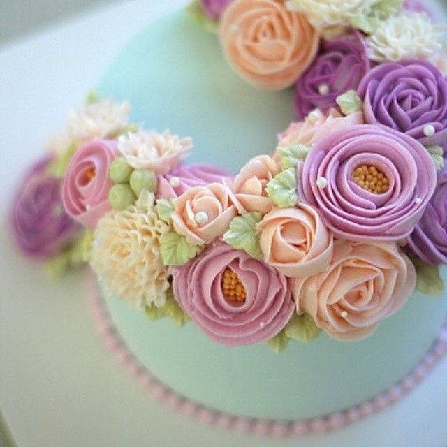 mint green lavender and apricot cake - beautiful