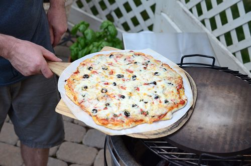 Nibble Me This: How To Cook Pizza on a Kamado Grill