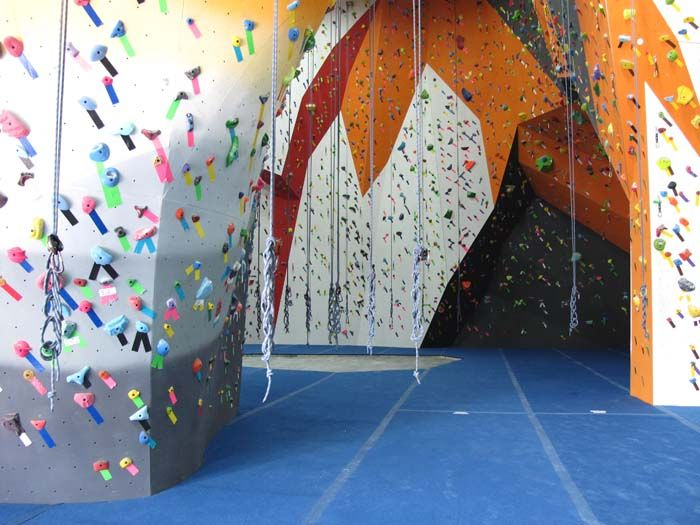 The Cliffs In Lic Has 30000 Square Feet Of Rec Centere For Rockclimbing Making It The Biggest Rock Climbing Center Ever In