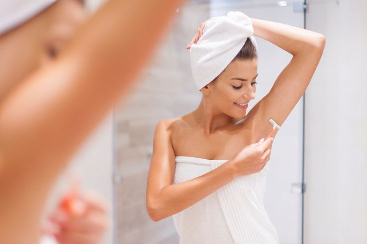 10 Dicas para eliminar o mau cheiro das axilas! Não existe nada mais desagradável do que sentir aquele mau cheio nas axilas, muitas pessoas mesmo usando o