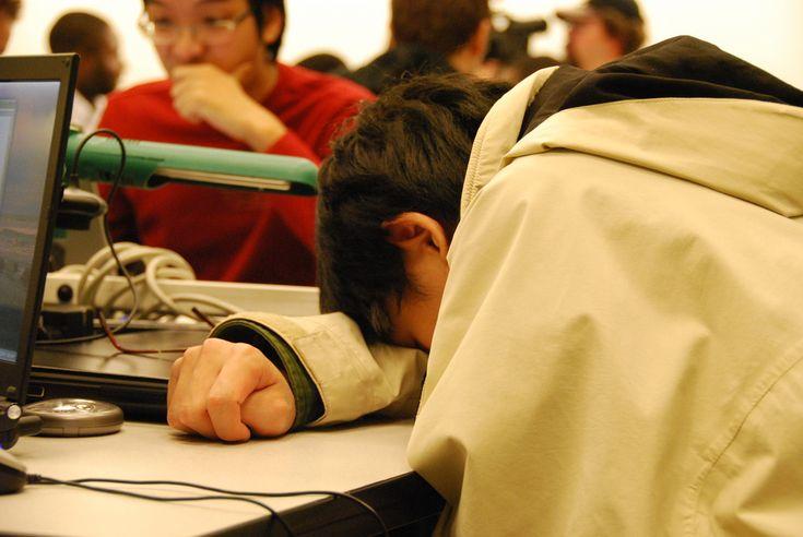6 Penyebab Kenapa Anda Sering Mengantuk, Padahal Sudah Tidur Cukup