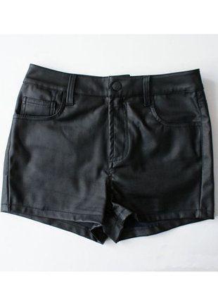 Kup mój przedmiot na #vintedpl http://www.vinted.pl/damska-odziez/szorty-rybaczki/10591527-bik-bok-skorzane-szorty-z-wysokim-stanem-36-38