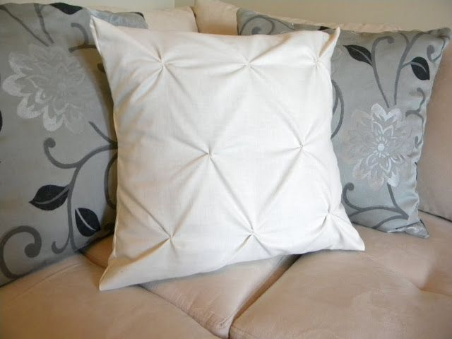 DIY Pintuck Pillow. Super easy and can do it almost any fabric!