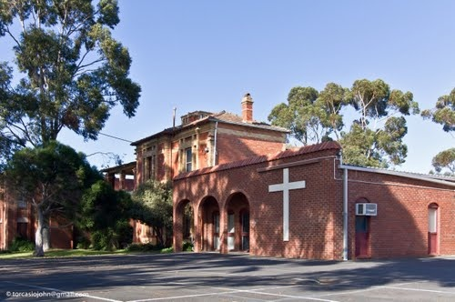Kingsley College in Hadfield, a suburb of Melbourne, Australia. Unfortunately, the college is no longer operating here.