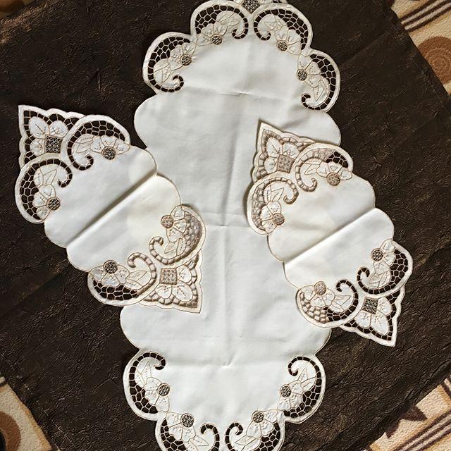 Güzel günlerde.. Sipariş için dm  #beyaziş #beyazis #nakış #çeyiz #düğün #düğün...
