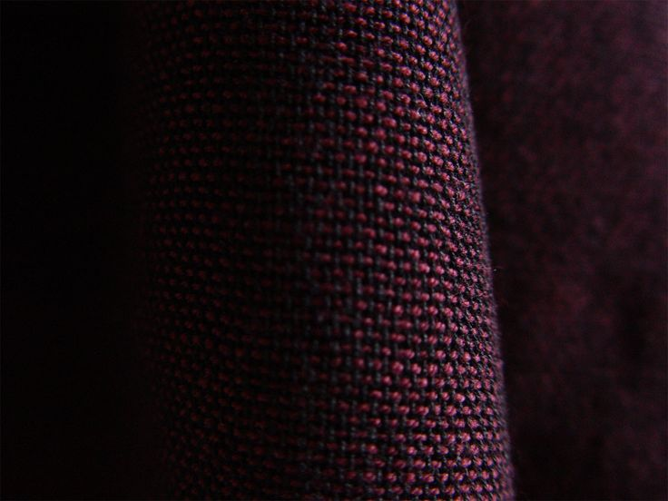 Scarlet cotton scarf #ILLANGO #handwovenscarf #accessories #scarf