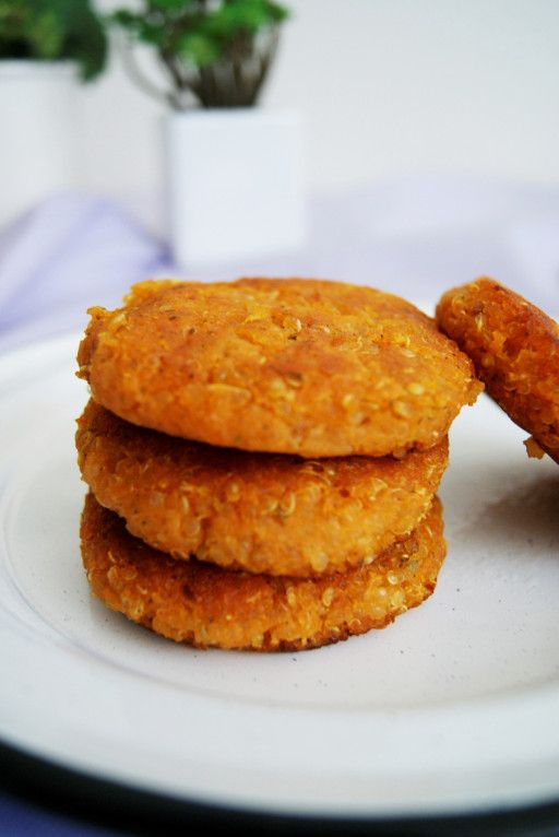Croquetas de camote con quinoa/ Sweet potato and quinoa patties