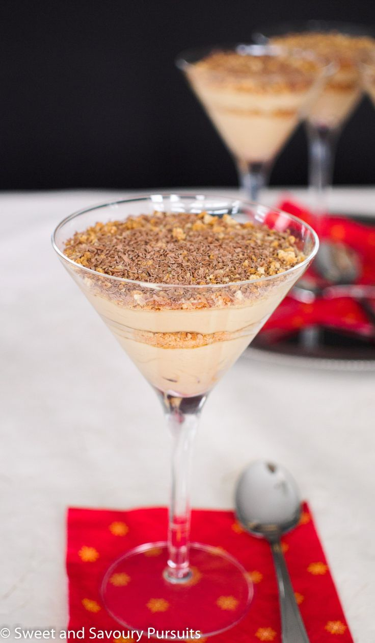 Mascarpone Espresso Cream and Amaretti Parfaits | No oven required to make this simple yet so decadent dessert!