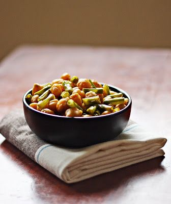 My Diverse Kitchen: Stir-fried Yard Long beans And Chickpeas (Indian Style)