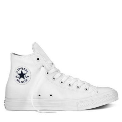 Compra online las Zapatillas Converse Chuck Taylor All Star II Hi Blanco y dale un nuevo estilo a tu outfit urbano. Despacho a domiclio. ¡Entra aquí!
